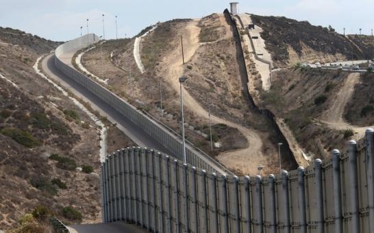 high.border_fence_073014.1447285468870
