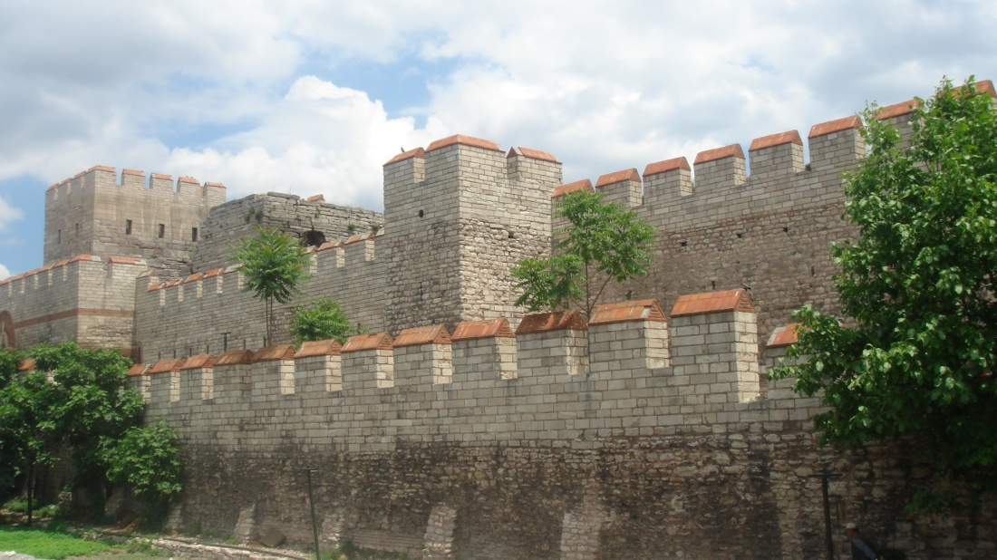 Walls_of_Constantinople.JPG