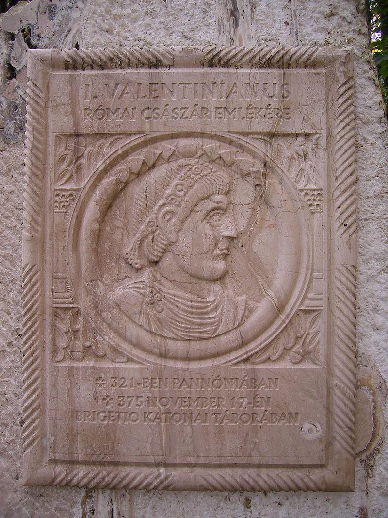Dél-Komárom_-_modern_memorial_plaque_of_the_Roman_imperator_Valentinianus_I
