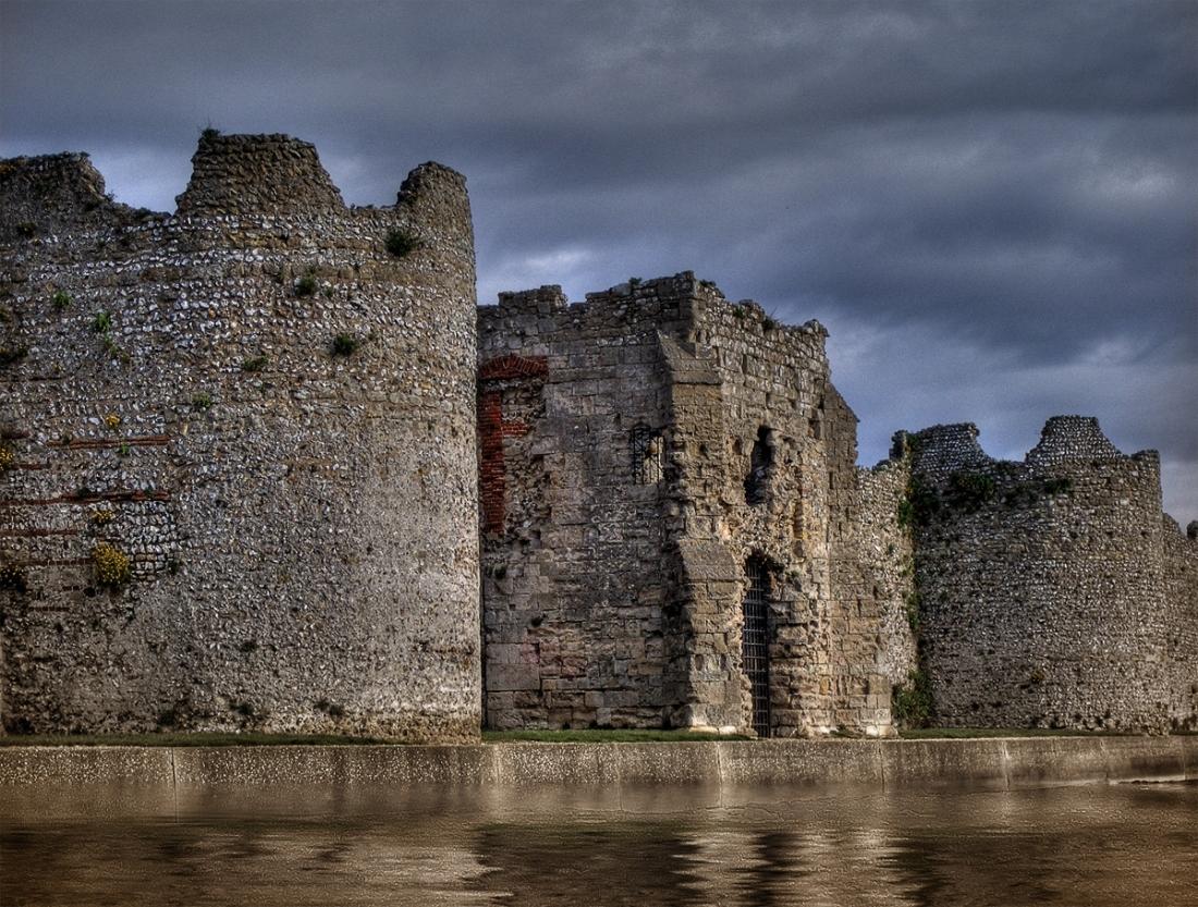 Portchester_castle_02.jpg