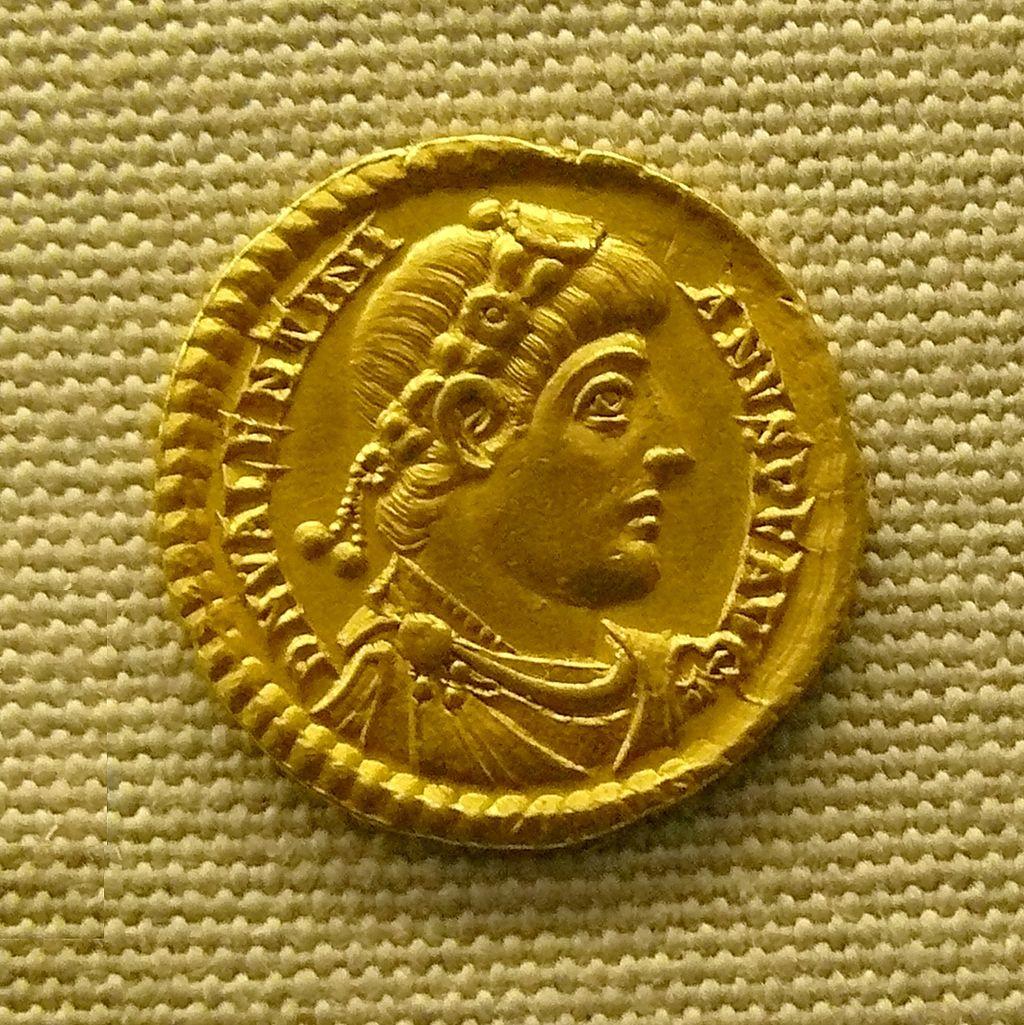 Solidus_de_Valentinien_MAN