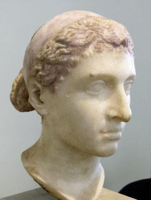 Kleopatra-VII_-Altes-Museum-Berlin1