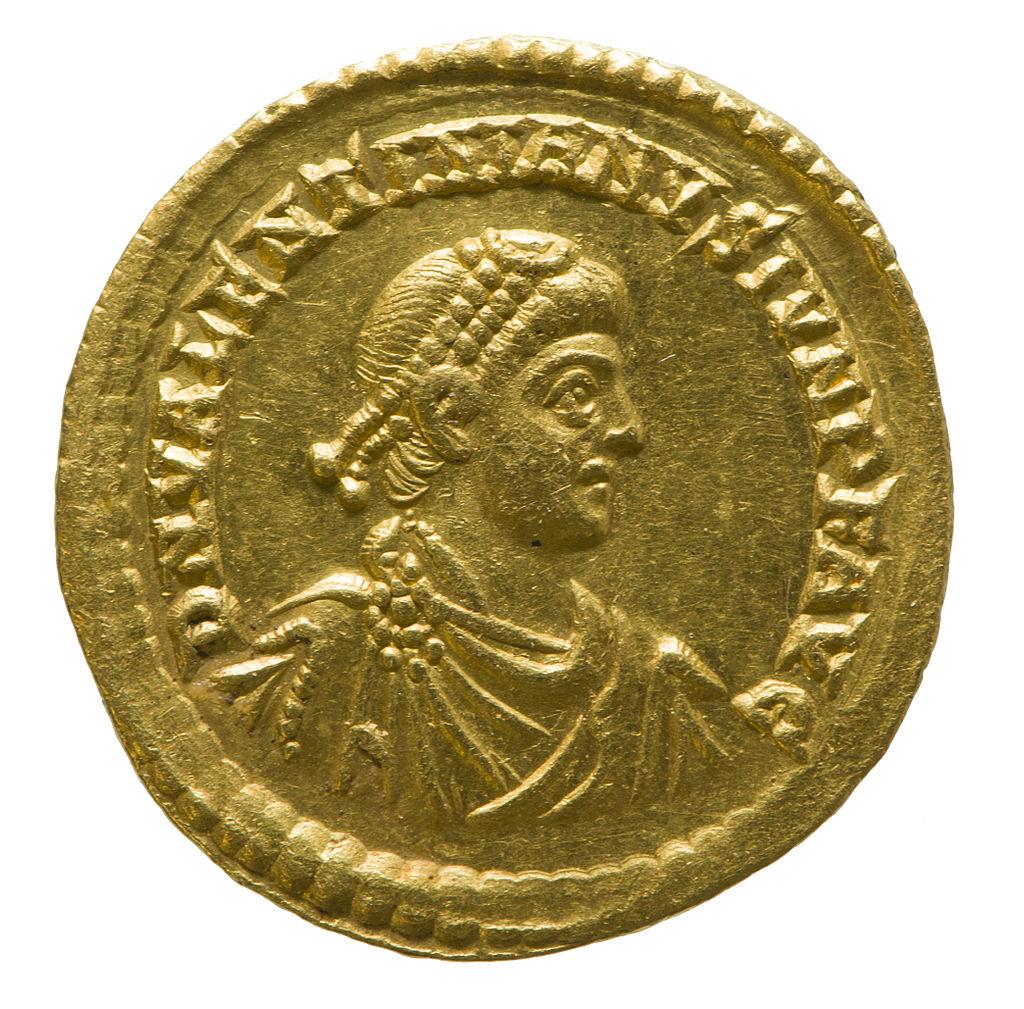 Solidus_of_Valentinian_II_(YORYM_1998_853)_obverse