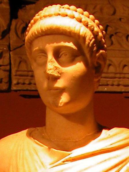Valentinian_II_detail