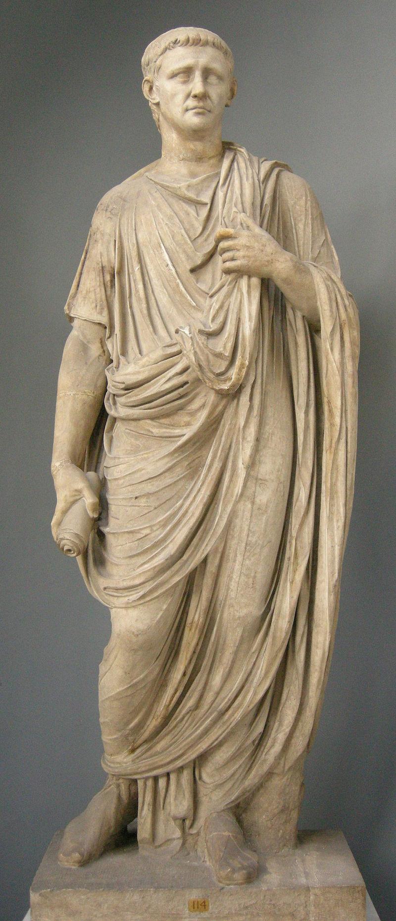 800px-Togato_con_tesa_dell'imperatore_claudio,_inv._2221