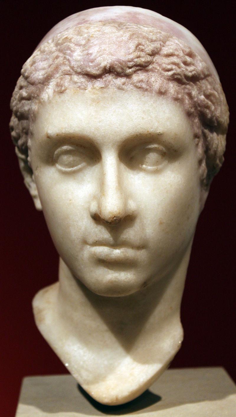 cleopatra -0035_Altes_Museum_Portrait_Kleopatra_VII_anagoria