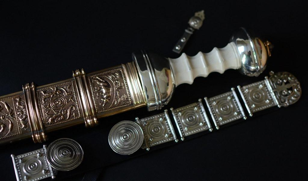 roman soldier herculaneum 18791640991_8fcfce04c1_b