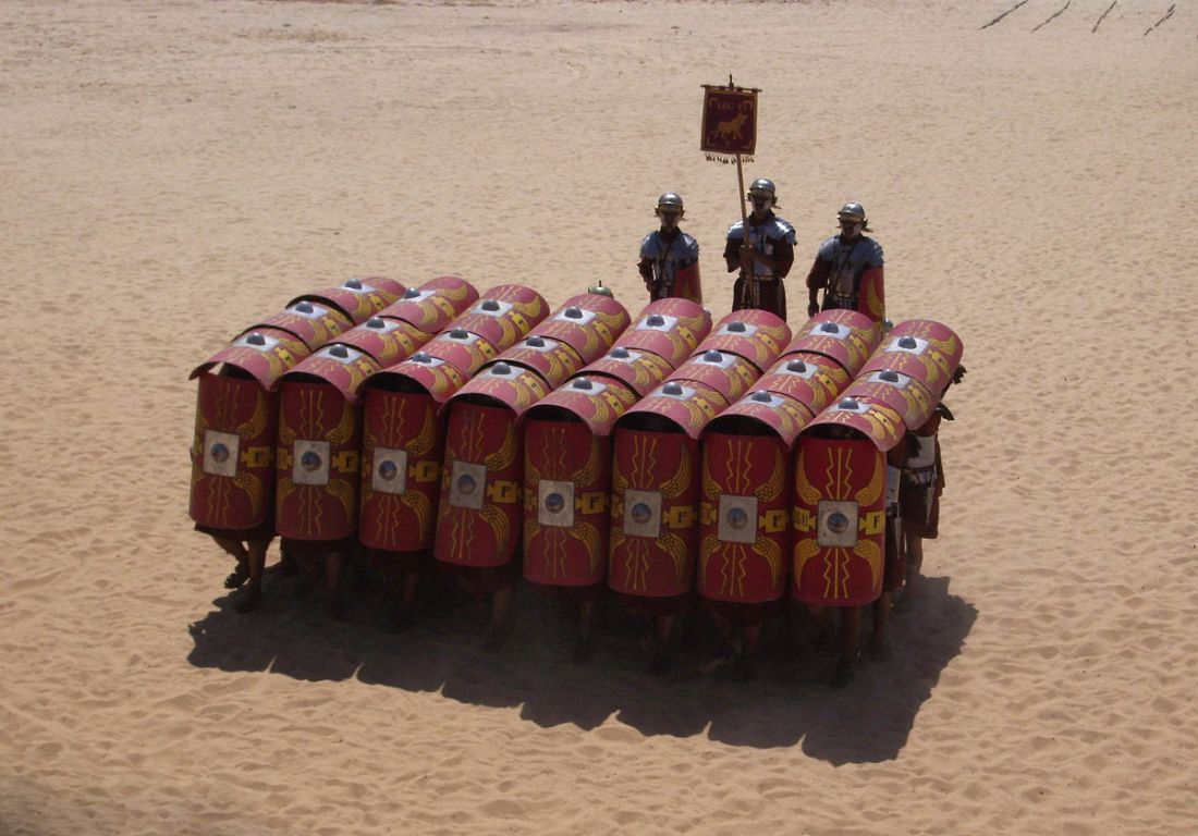 1200px-Testudo_formation